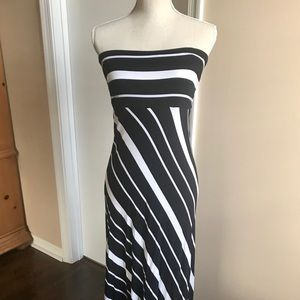🍌BANANA REPUBLIC Strapless Maxi Dress